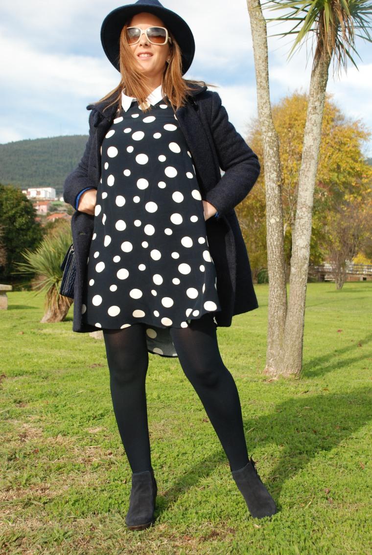 vestido-lunares-azul-vestidozara-sombrero-mamisweet-blogmoda